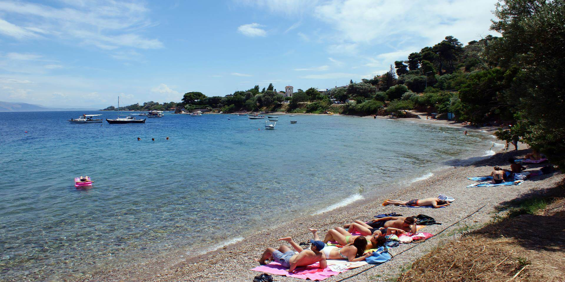 the_beach_of_lampiri_in_aigialeia