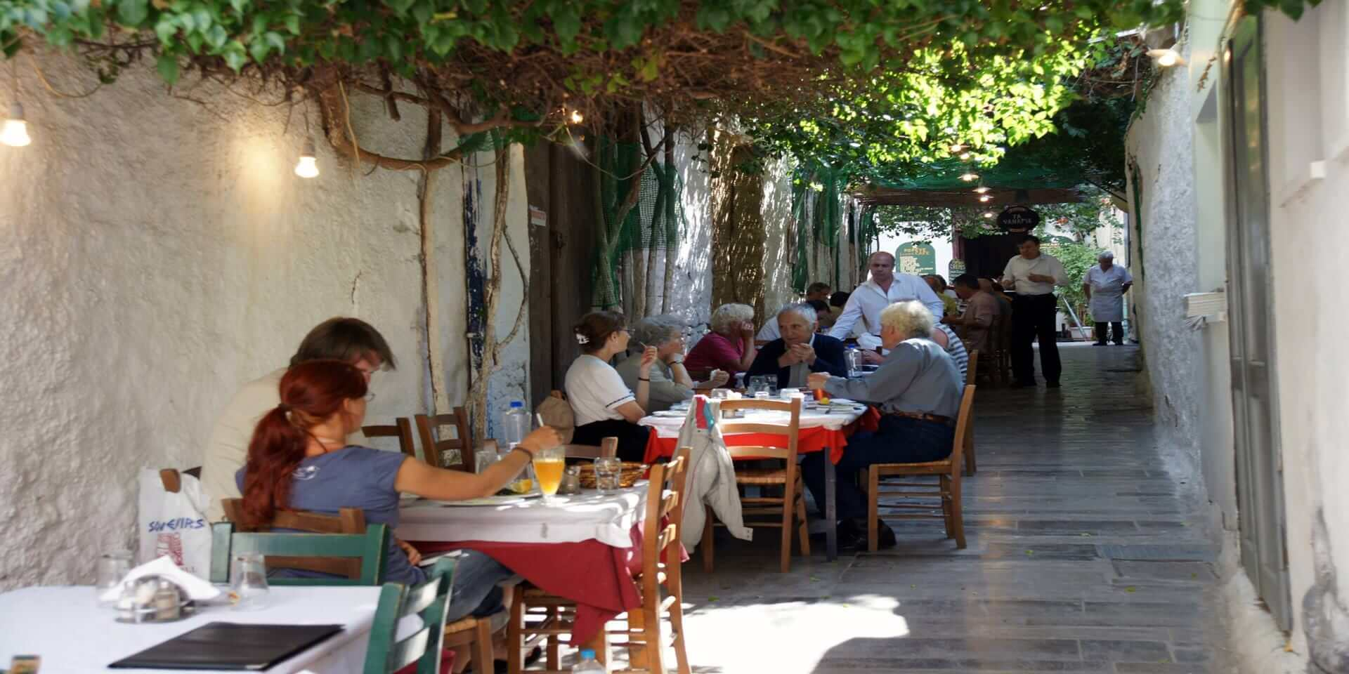 greek_specialities_in_a_tavern_of_nauplia