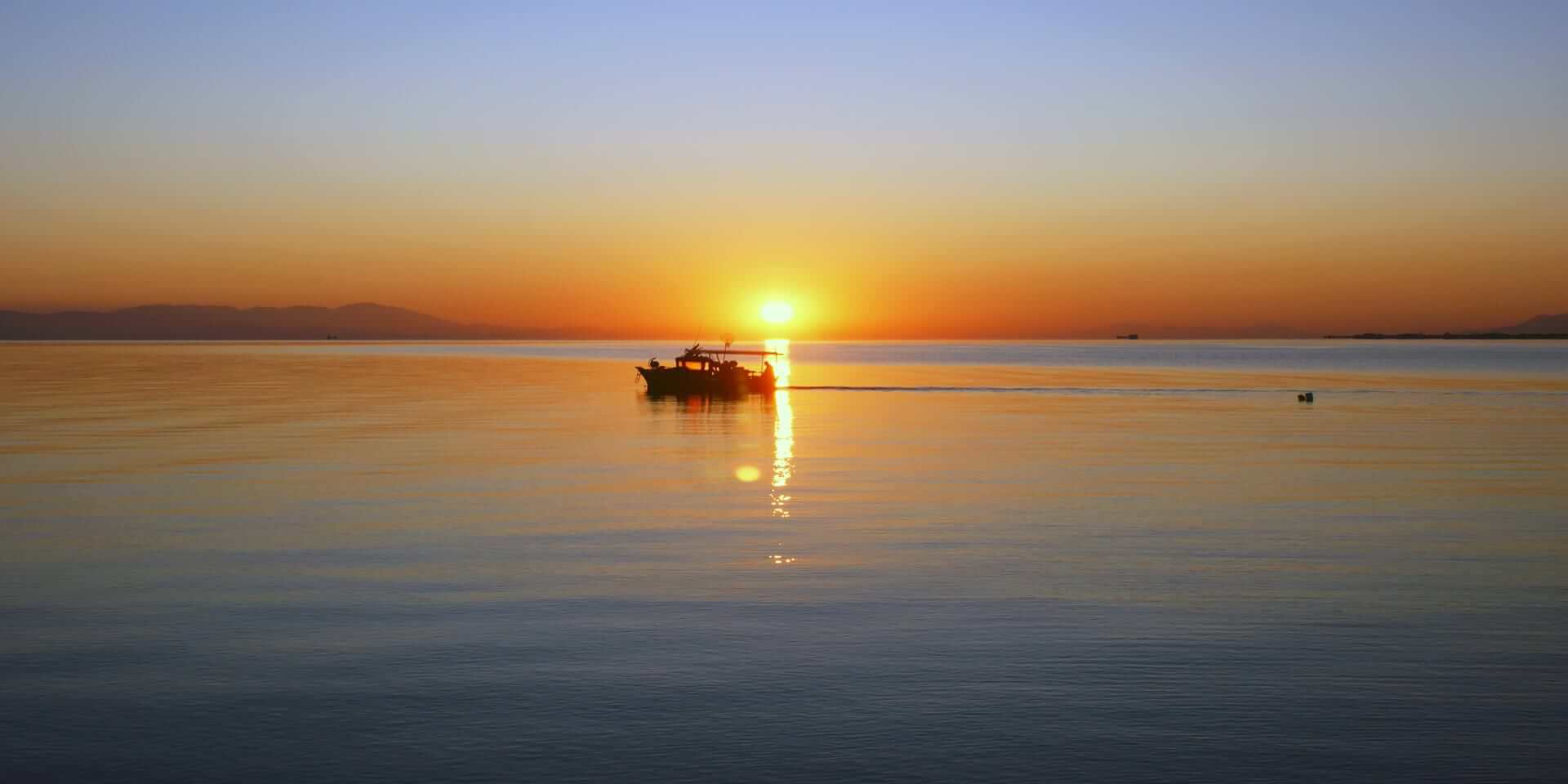 beautifull_sunrise_in_egialia_achaea_peloponnesus